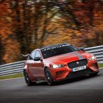 Jaguar XE SV Project 8 стал самым быстрым седаном Нюрбургринга